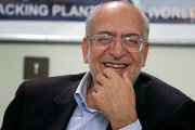 وزیر بعدی صنایع به اقتصاد مقاومتی توجه کند