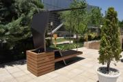 ساخت نیمکتهای خورشیدی توسط یک استارتاپ ایرانی که موبایل شما را شارژ میکند
