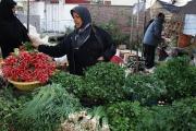 ماه رمضان فرصتی برای رونق کسب و کار سبزی فروش ها